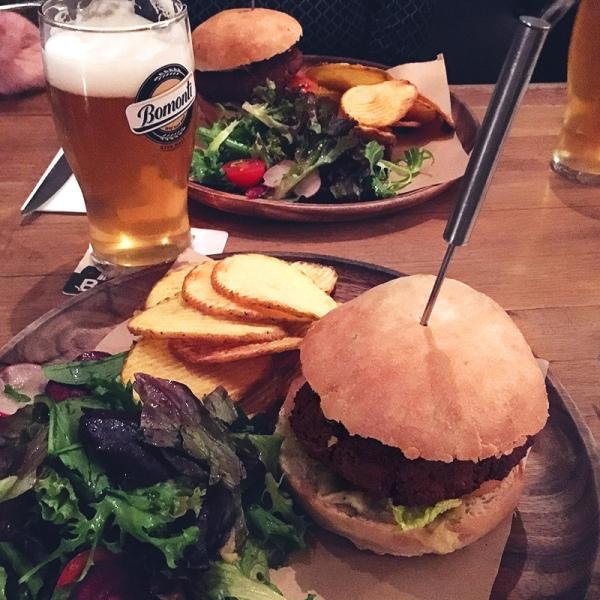 bina-kadikoy-vegan-burger